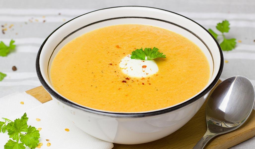Auberginensuppe mit Feta